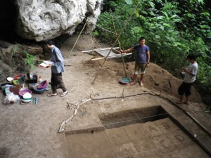 L. Abu Excavations 2012 (S. Plutniak)